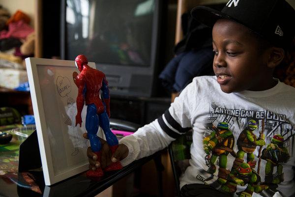 Criador de Super-Heróis e da Marvel faz desenho para Criança com Autismo/ Foto nytimes.com
