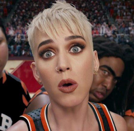 Swish Swish por Katy Perry & Nicki Minaj