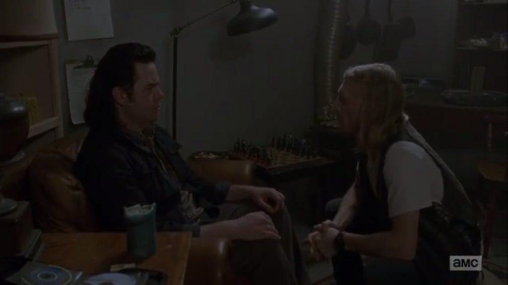 Dwight tendo aquela conversinha agradável com Eugene
