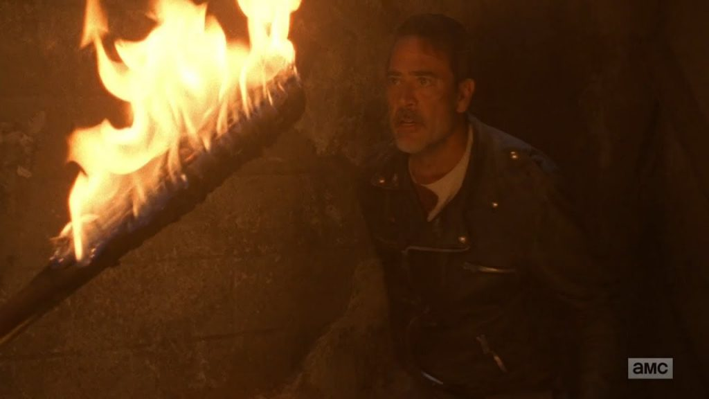 Rick com Lucille pegando fogo