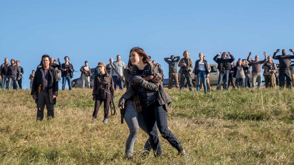 Todos rendidos, e Maggie chorando por que quer vingar a morte de Glenn